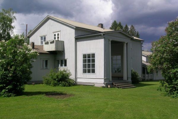 Alajärvi Villa Väinölä, the house for the brother, is restored and open for public