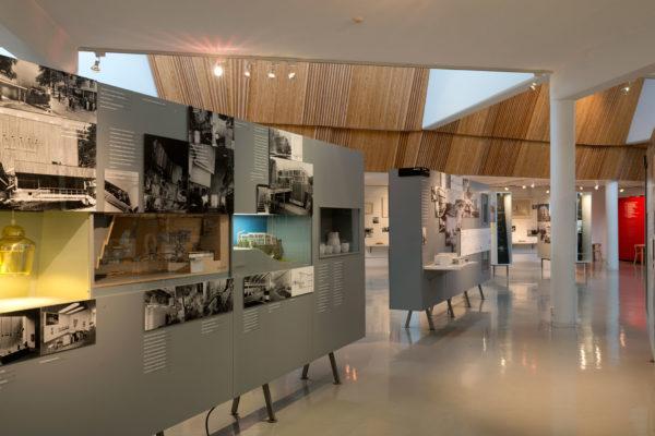 オープンスペースではアルヴァ・アアルトについての常設展示が行われている。写真:Alvar Aalto 財団