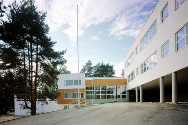 Начальная школа в Техтаанмяки, Инкеройнен. Фото: Маийя Холма, Фонд Алвара Аалто