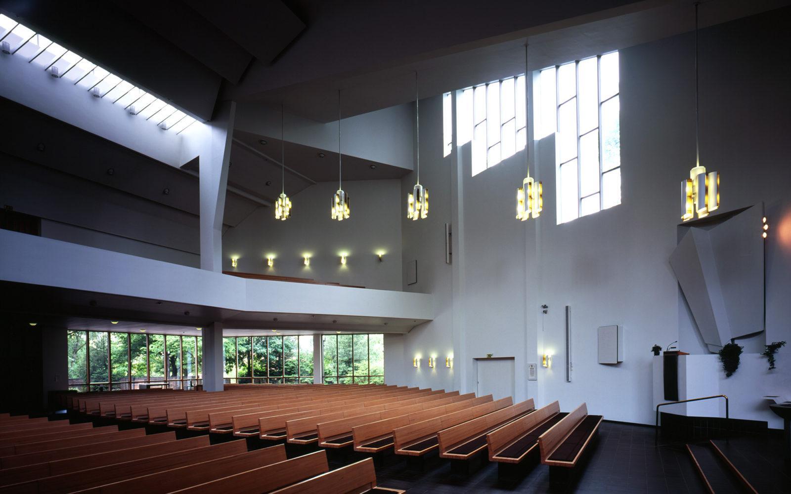 Ristinkirkon kirkkosali, Lahti