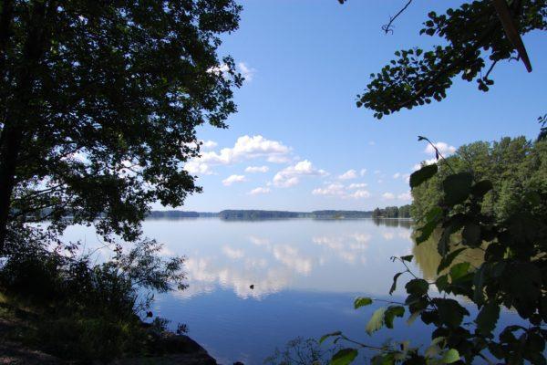 Villa Kokkonen sijaitsee kauniin Tuusulanjärven rannalla. Kuva: Visit Tuusulanjärvi.