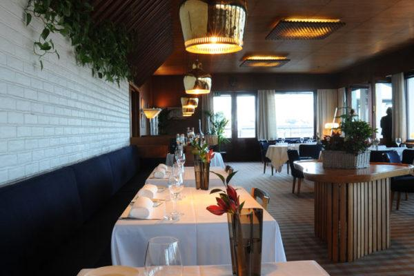 Restaurant Savoy in Helsinki is famous not only for the menu but for the interior. Photo: Alvar Aalto Foundation.