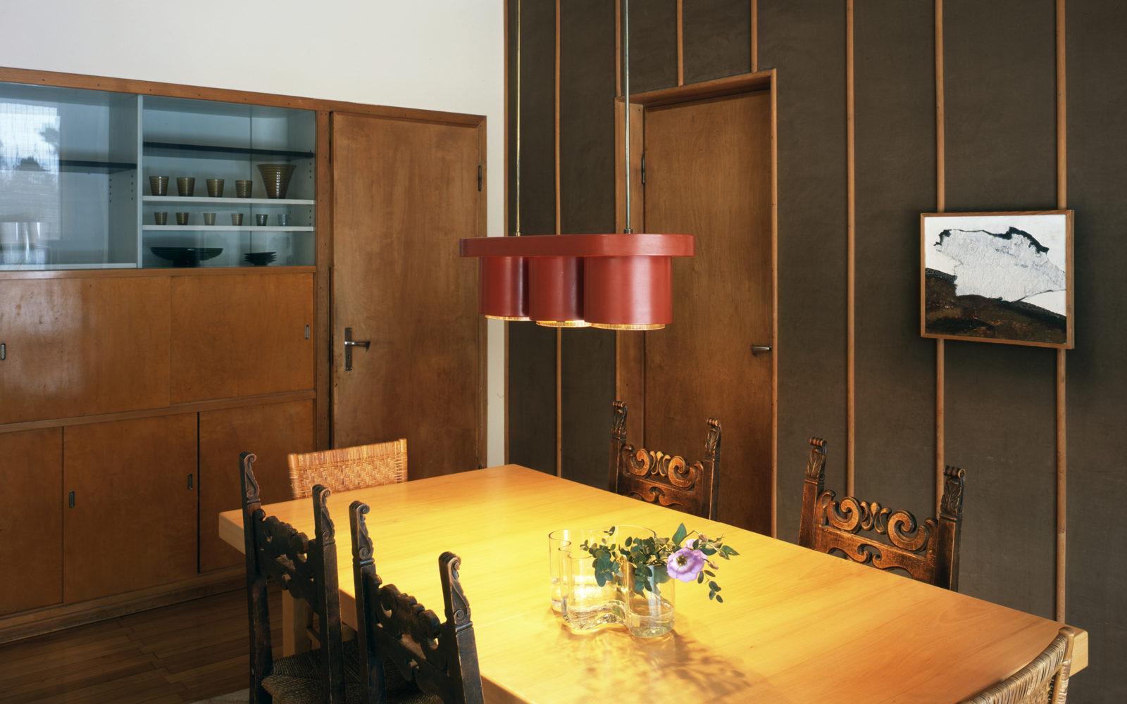 the-aalto-house-dining-room-photo-maija-holma-alvar-aalto-museum