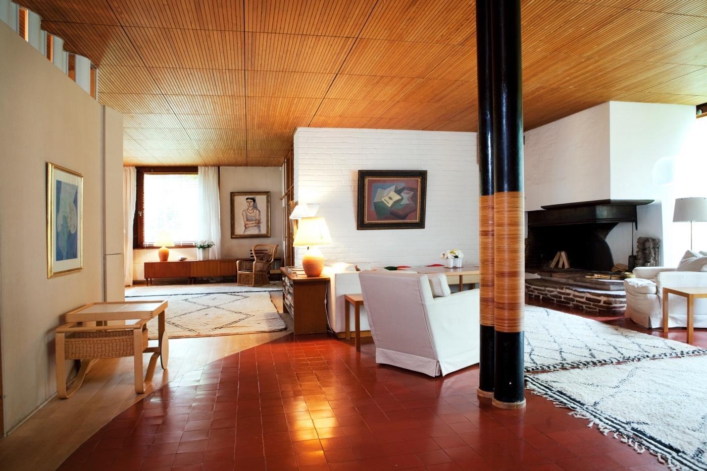 White Carpet Living Room