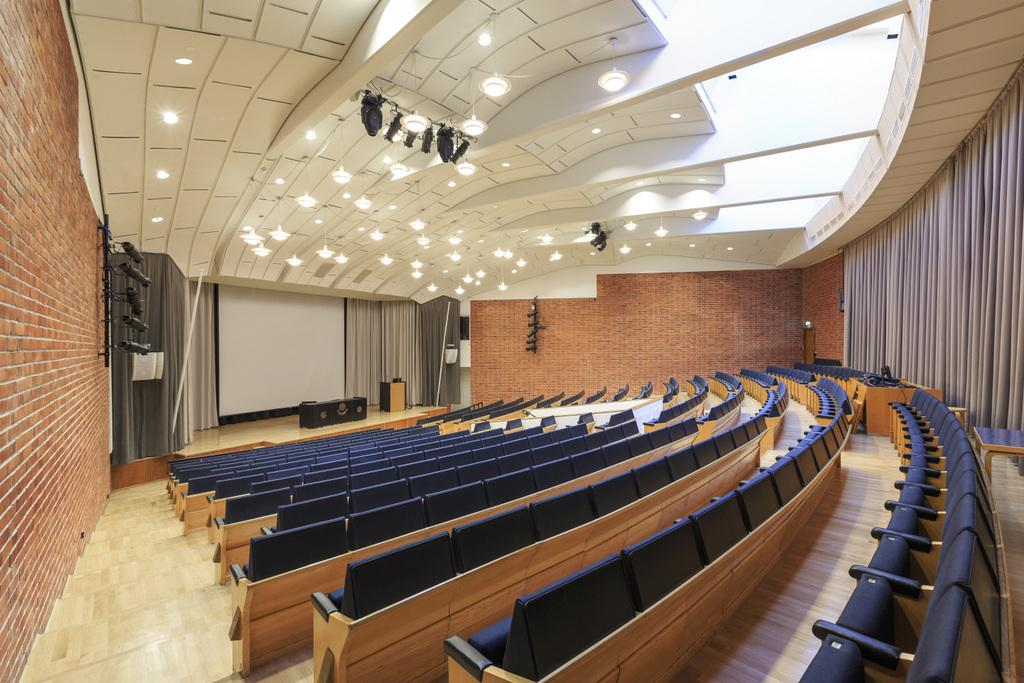 ALVAR AALTO LOCATION-university of jyväskylä-lecture hall-PHOTO TERO TAKALO-ESKOLA