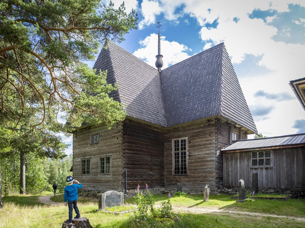 UNESCO-PETAJAVESI OLD CHURCH boy- PHOTO TERO TAKALO-ESKOLA
