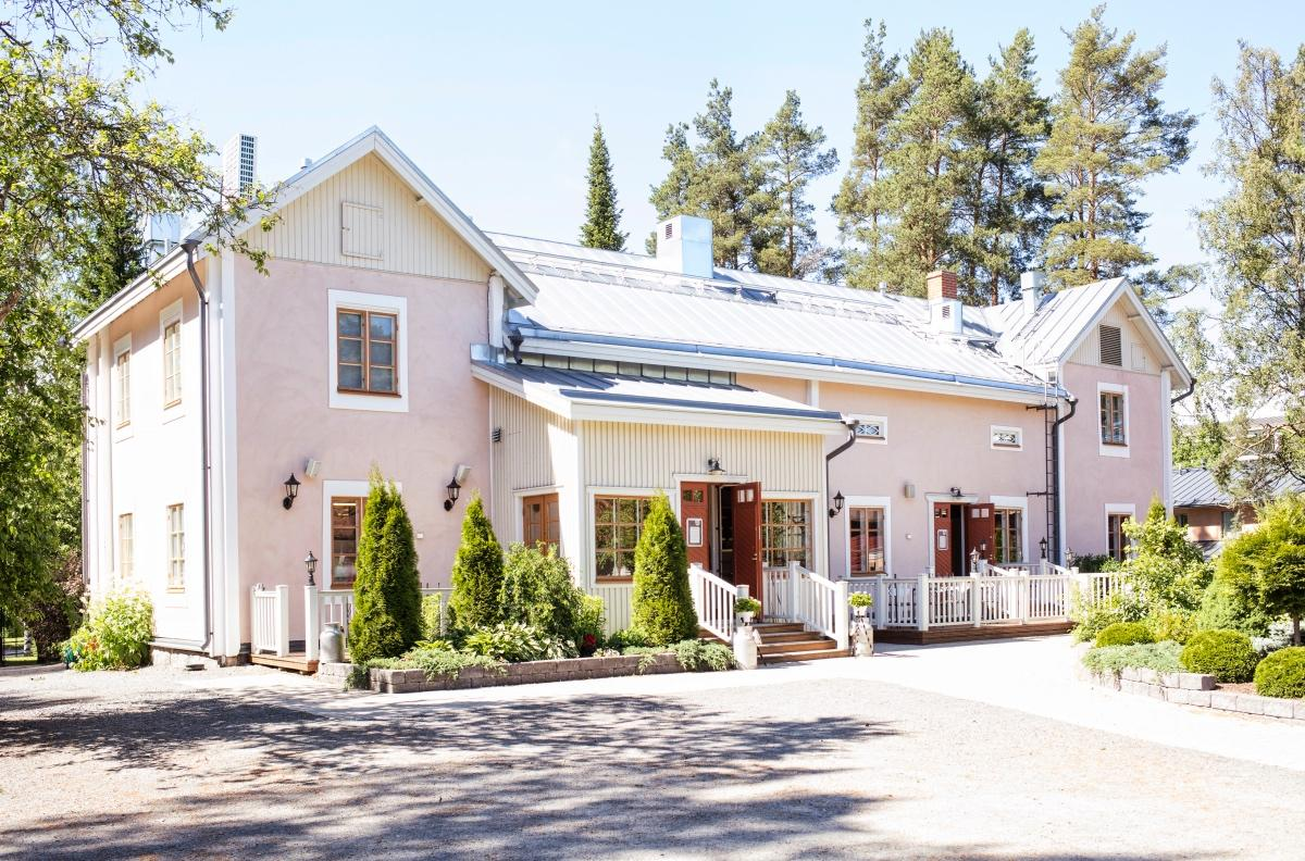 Uppala Manor opened its' doors in 2009. Photo: Visit Seinäjoki, Katja Lösönen.