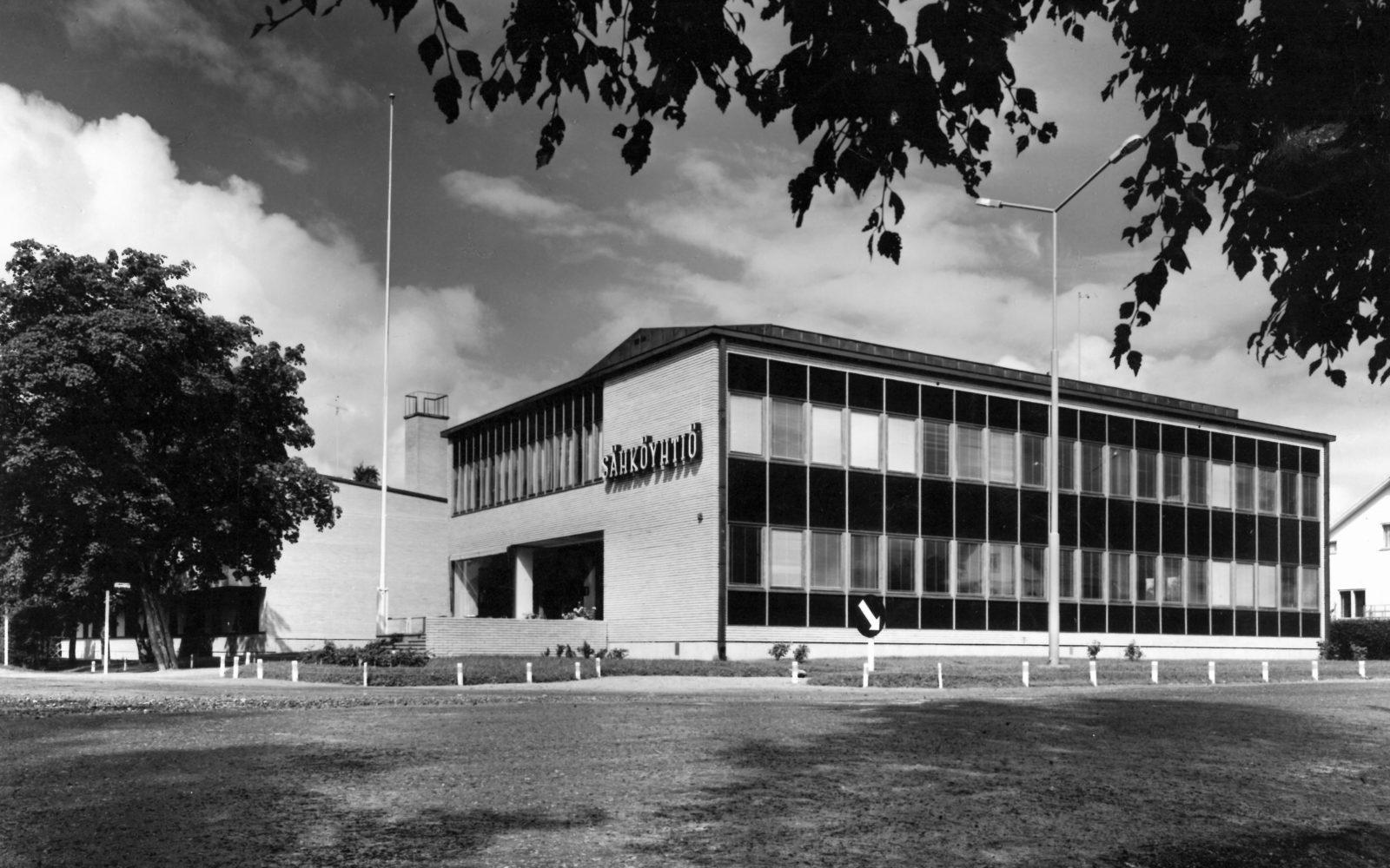 Sähköyhtiön rakennus-kuva vuodelta 1961