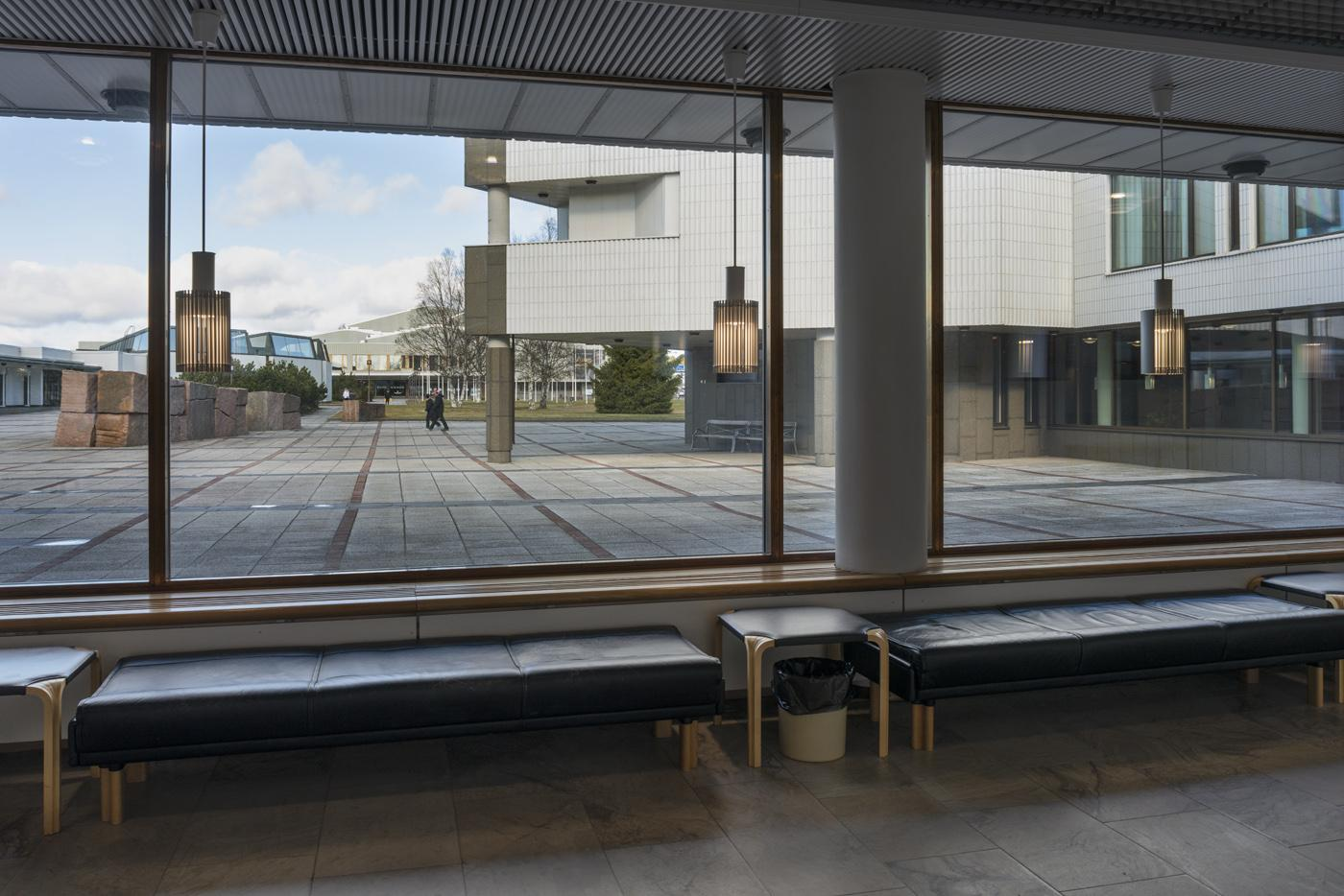 Rovaniemen kaupungintalon eteishalli